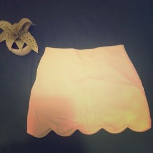 Top shop while scallop mini skirt
